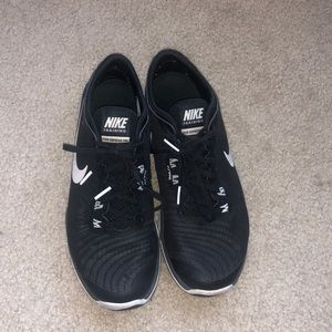 Nike Flex Supreme TR4 Sneakers